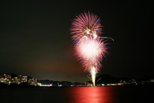 Todo el Uraga y fuegos artificiales de la fiesta